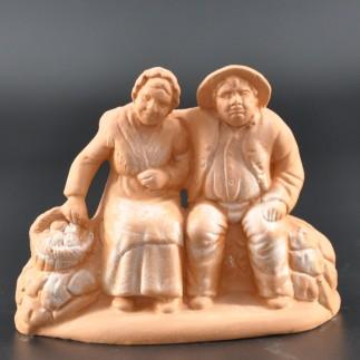 Couple de vieux assis brut